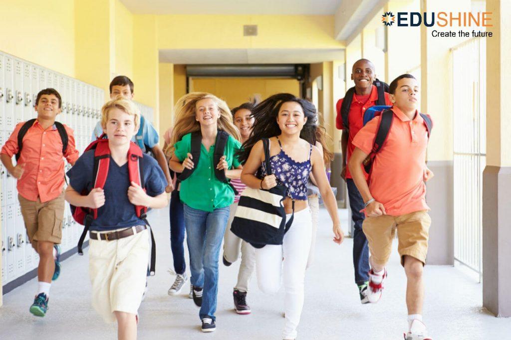 iúp các du học sinh có sự chuẩn bị kĩ càng về mặt tâm lý và giao tiếp xã hội khi du học PTTH tại Mỹ
